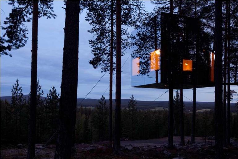 Un hotel dans les Arbres (Tree Hotel)